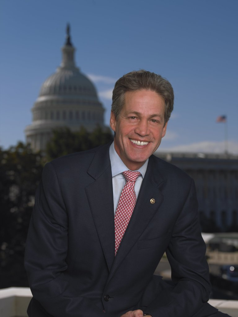 Norm_Coleman,_official_photo_portrait,_2006